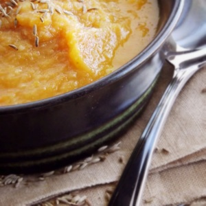 Carrot and Parsnip Soup with Apple