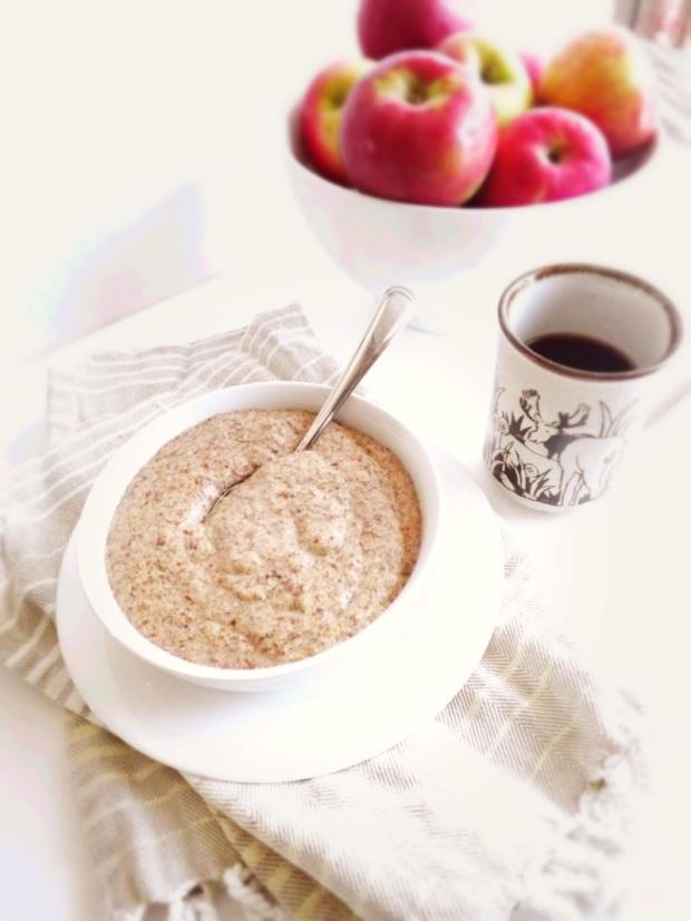 Apple and Flax Seed Porridge
